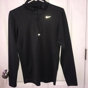Women's Dry-Fit Nike Fitted Zip-up!